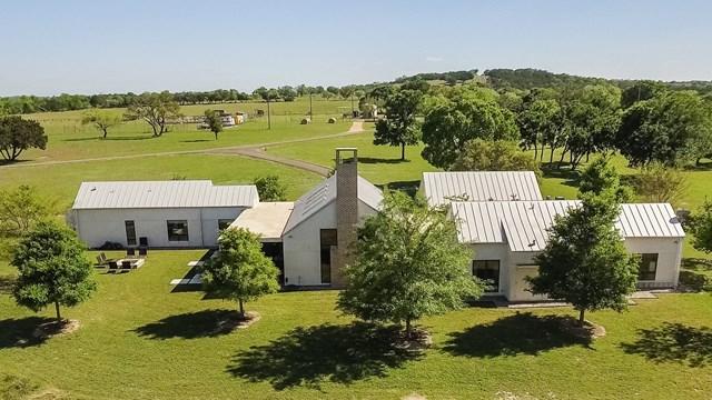 1167 N Lexington Dr, Fredericksburg, TX 78624
