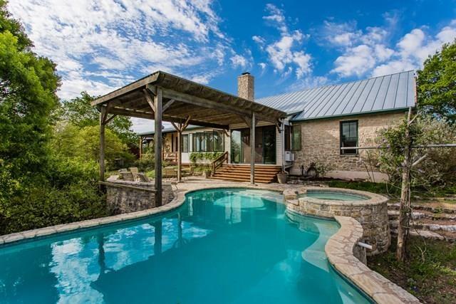 1375 Adobe Creek Rd, Fredericksburg, TX 78624