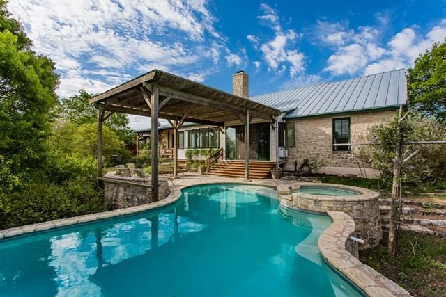 1375 Adobe Creek Rd, Fredericksburg, TX 78624