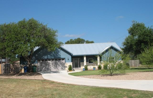 130 Winding Oak Dr, Johnson City, TX 78636