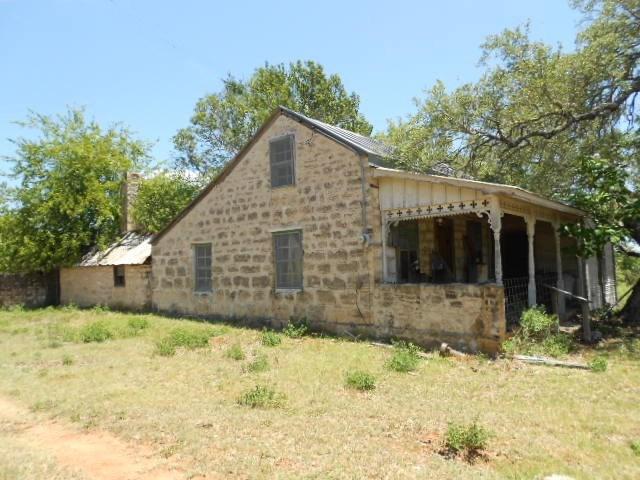 518 E College St, Fredericksburg, TX 78624