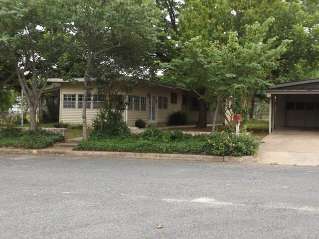 501 W Schubert St, Fredericksburg, TX 78624