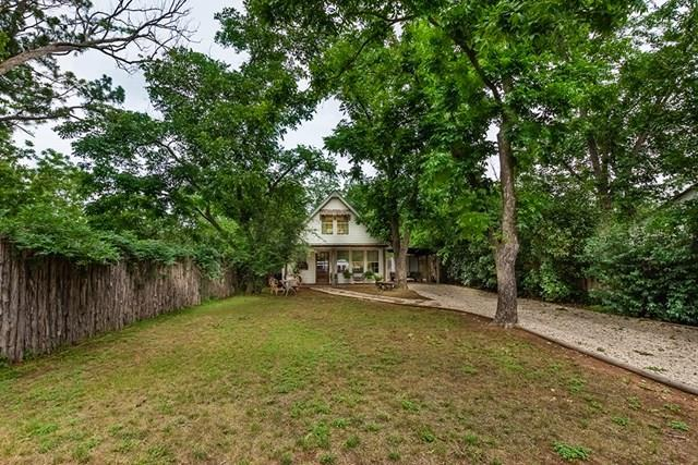 330 W Morse St, Fredericksburg, TX 78624