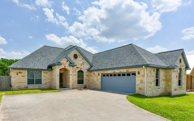 811 Dogwood Lane, Fredericksburg, TX 78624