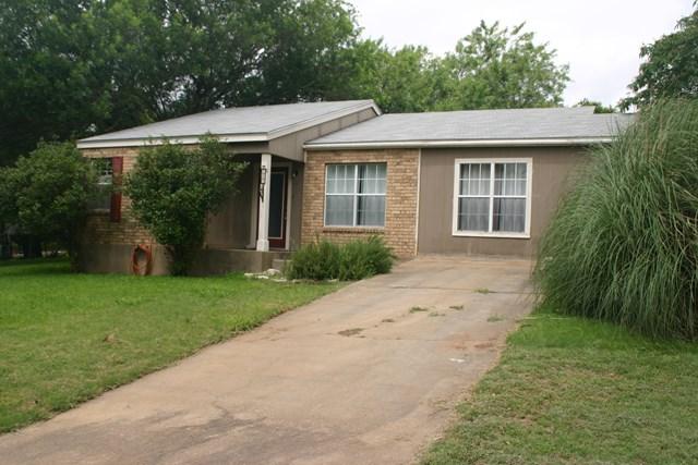243 Northwest Dr, Fredericksburg, TX 78624
