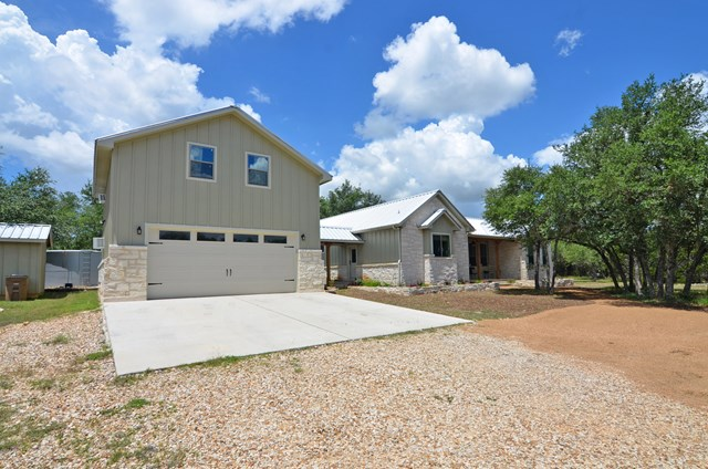 863 Beauchamp Rd, Dripping Springs, TX 78620