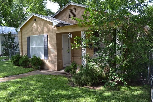 306 W Hackberry, Fredericksburg, TX 78624