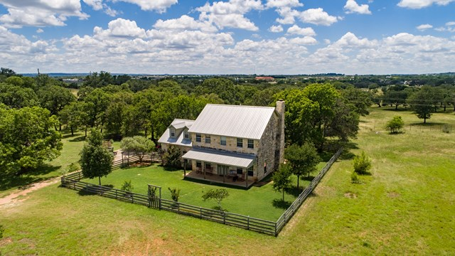 1321 Countryside Bend, Fredericksburg, TX 78624