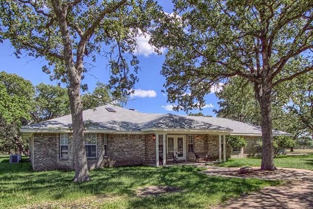 364 Schattenbaum Dr, Fredericksburg, TX 78624