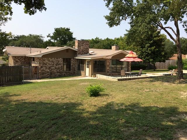 521 Valley Dr, Kerrville, TX 78028