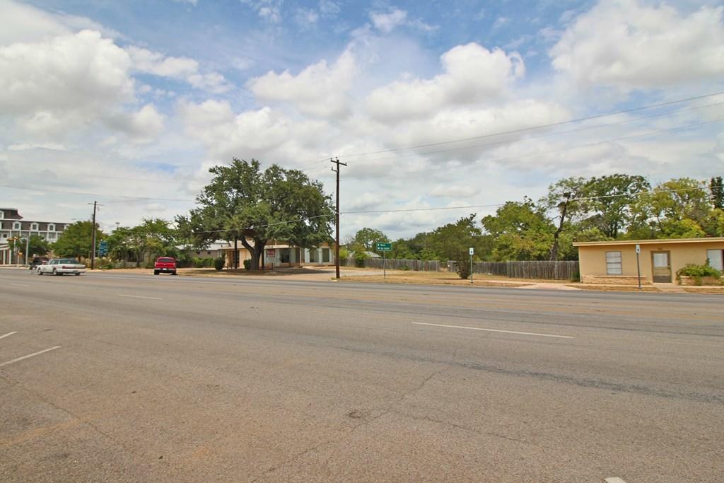 406 E Main St