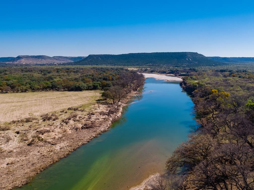 Live Water, River and Creek Ranch Land For Sale in Fredericksburug, TX
