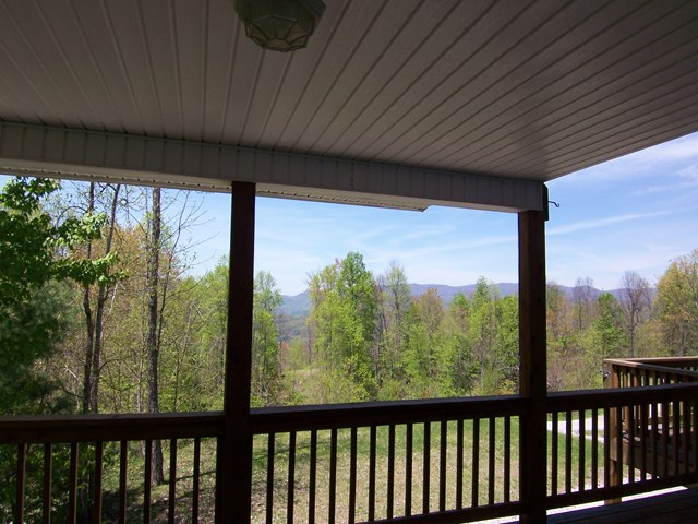 828 Chimney Ridge Drive, TOPTON, NC 28781