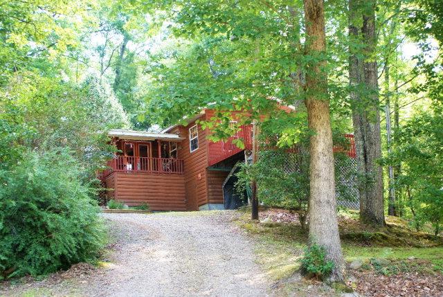 30 Pine Way, MURPHY, NC 28906