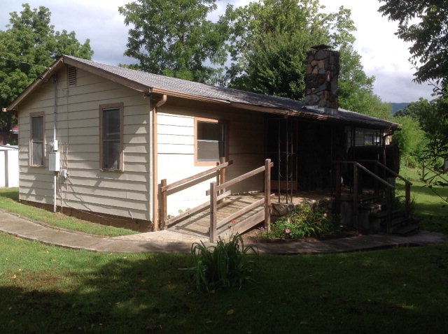 62 Walker St, ANDREWS, NC 28901