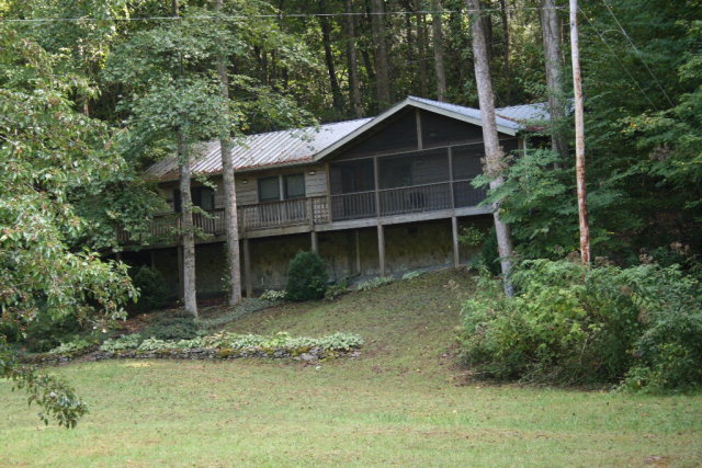 6488 Yellow Creek, ROBBINSVILLE, NC 28771