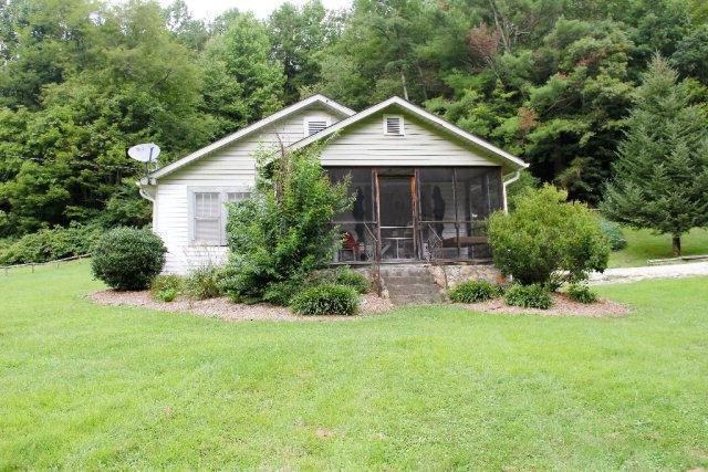 26 Sandy Davis Drive, TOPTON, NC 28781