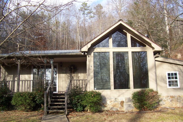 2235 Long Branch Rd, MARBLE, NC 28905