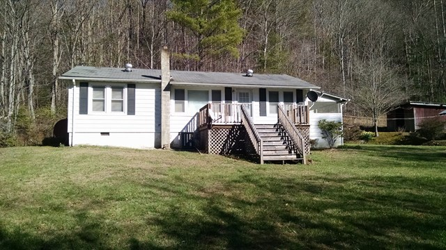 261 Jutts Creek, ROBBINSVILLE, NC 28771