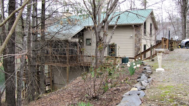 136 The Landings, ROBBINSVILLE, NC 28771