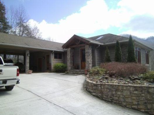 320 Sweeten Creek Road, ROBBINSVILLE, NC 28771