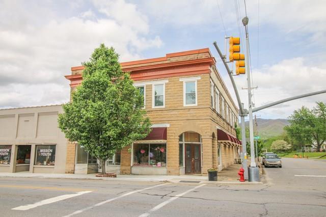 70 Cherry Street, ANDREWS, NC 28901