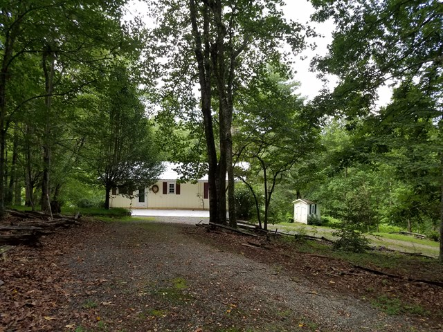 132 Old Dogwood Drive, MURPHY, NC 28906
