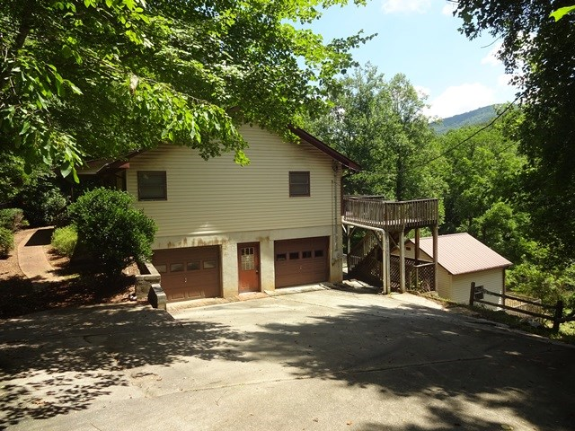 836 Brown Rd, FRANKLIN, NC 28763