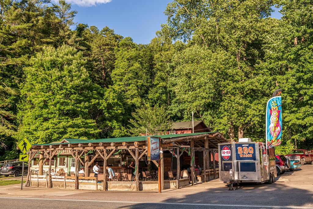 Retail, Grill and Bar for sale across the street from the famous Nantahala Village Resort.  Amazing commercial opportunity located on high traffic count road
