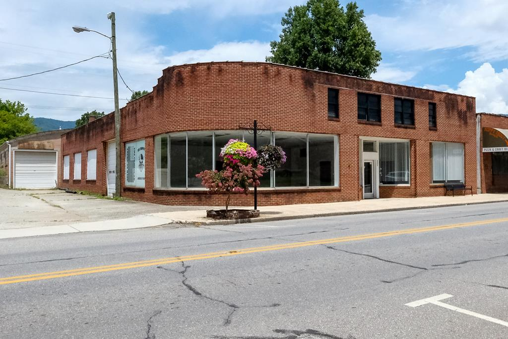 The best, most versatile building in downtown Andrews NC! This is the historic Duke Building originally built around 1940 and its a wide open template to turn it into anything you can imagine in roughly 8,796 square feet of space. The front is nearly 1,800 square feet and currently set up for retail/office space while the back is an incredible warehouse with almost 4,000 square feet of space and tons of character you cant find in todays buildings. Theres a separate storage building on the back side of the property thats roughly 46 x 66 w/ bay door for additional inventory and more. This is one of the most visible, noticeable buildings around! Take your vision and make it a reality!