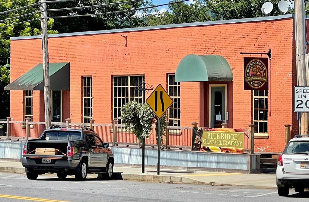 Built in 1920 and Renovated in the late 2000's, The Mill Building is located near the heart of historic downtown Murphy. Endless possibilities, such as: brewery, restaurant, outfitters store, Bike shop, professional office, etc.  Great location with a significant amount of parking on the property grounds and additional parking along Tennessee Street.