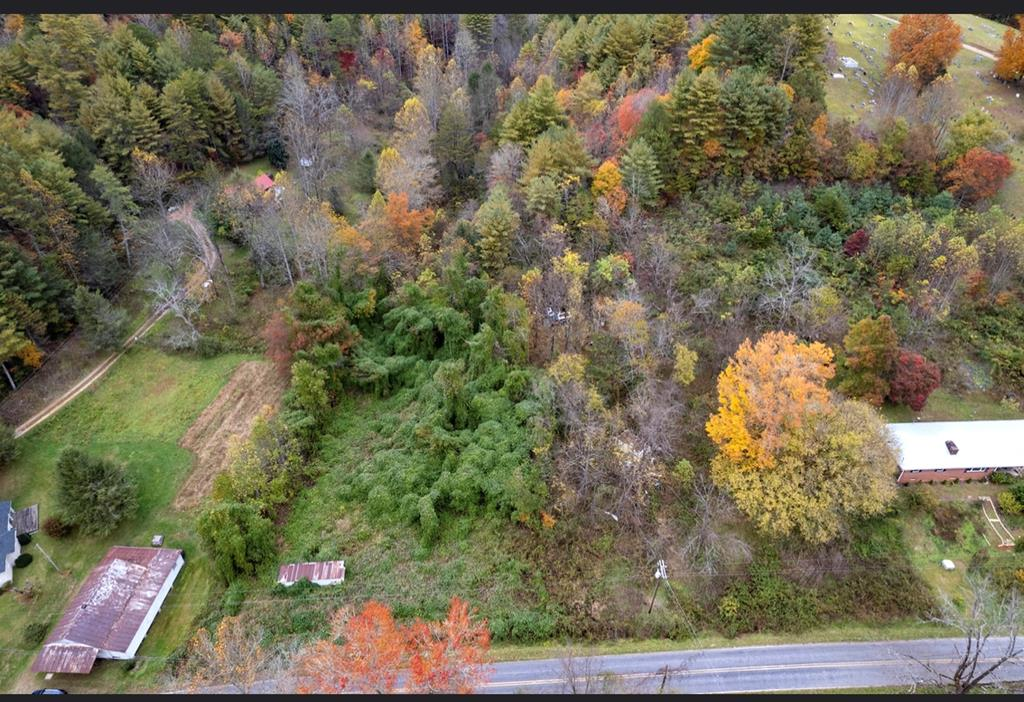 Excellent piece of land! Great for someone looking to build their dream home!