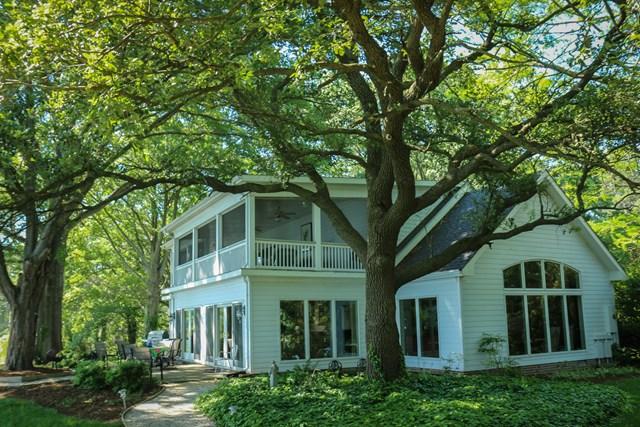 335 Redwood Lane, WEEMS, VA 22576