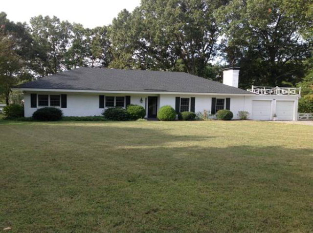 1075 Ring Farm Road, WHITE STONE, VA 22578
