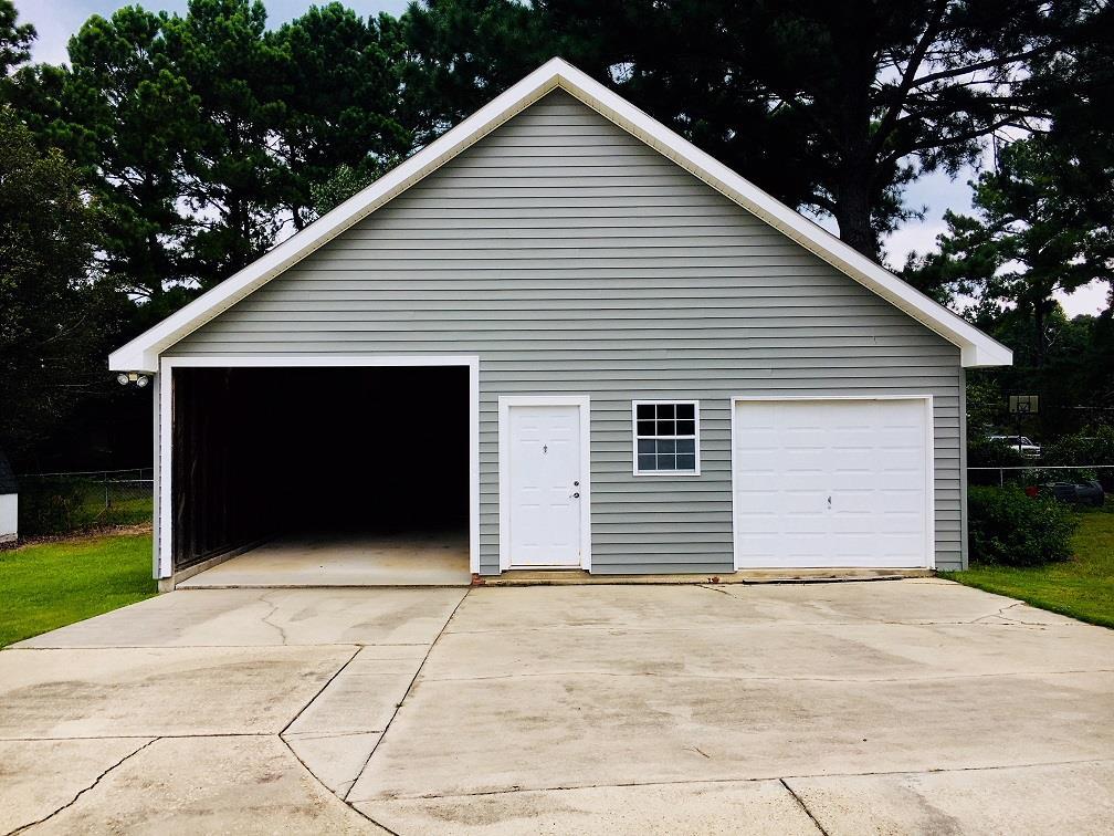 Detached Garage & Workshop