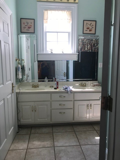 Donstairs Bath