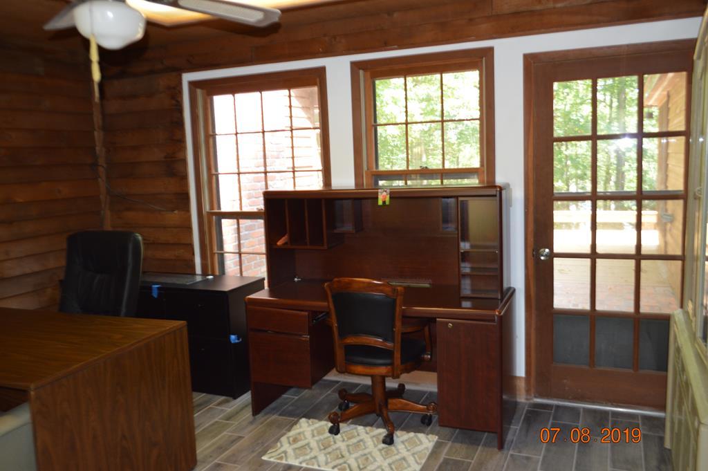 Enclosed Office/Study/Sunroom