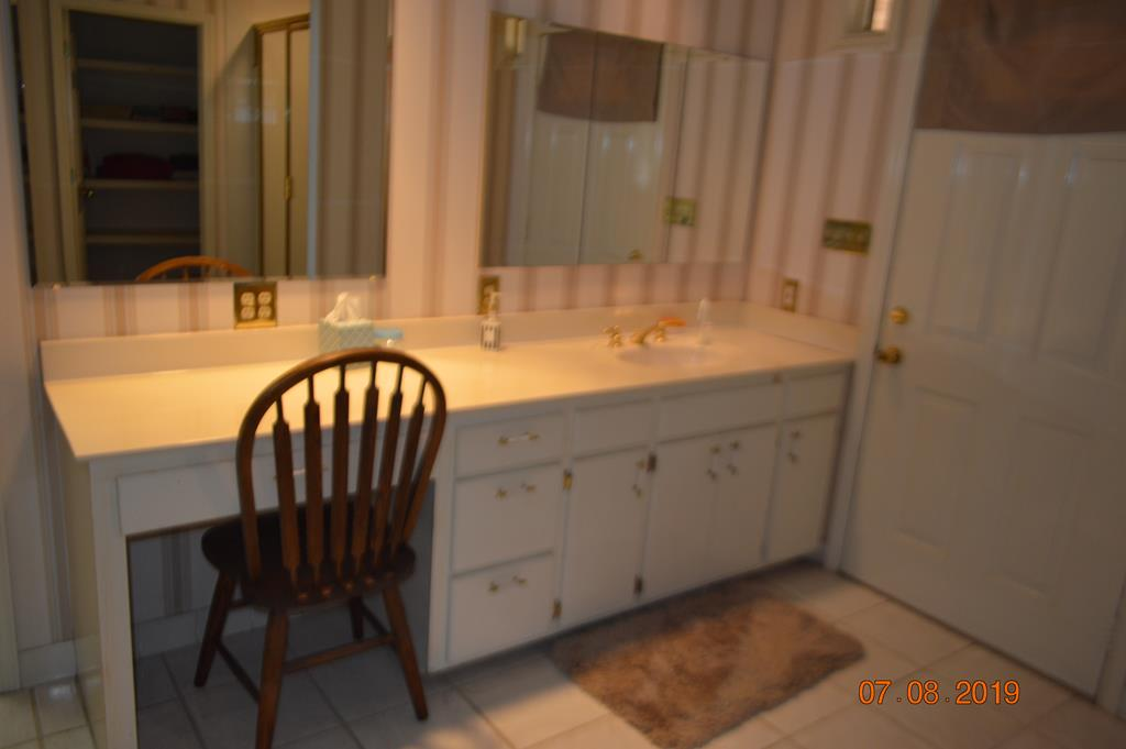 Master Bath Make up Area and Vanity