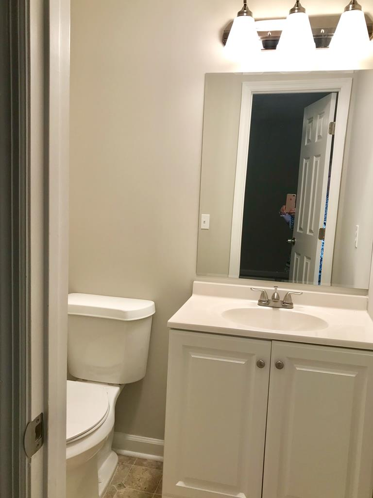 1/2 Bath Master Bedroom