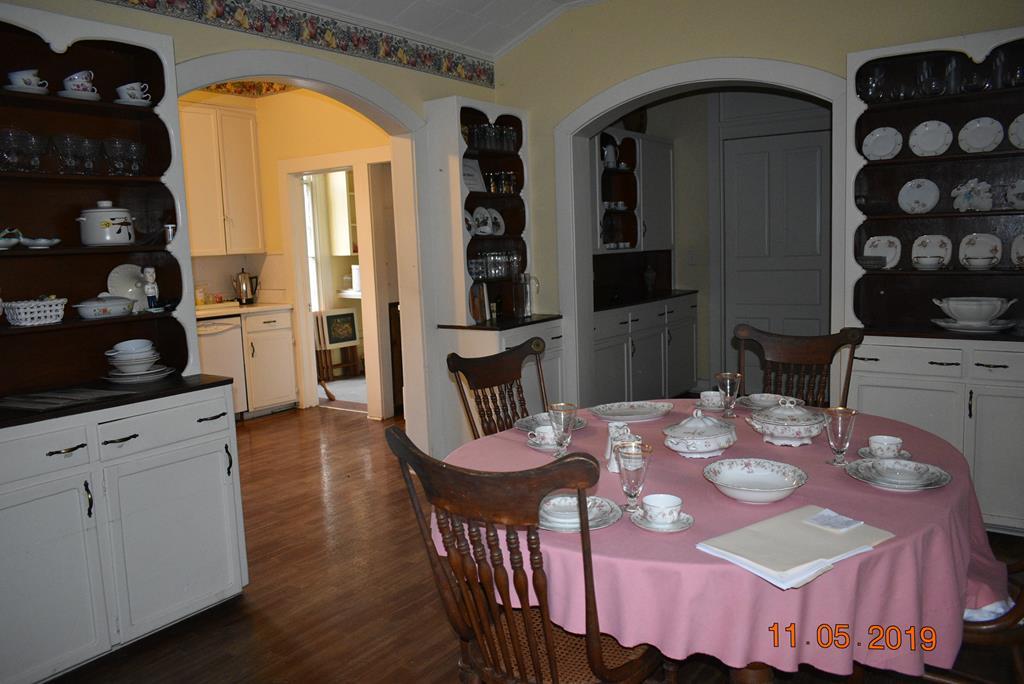 Breakfast Room to Butler