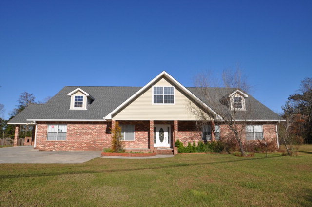 559 Anchor Lake Rd, Carriere, MS 39426