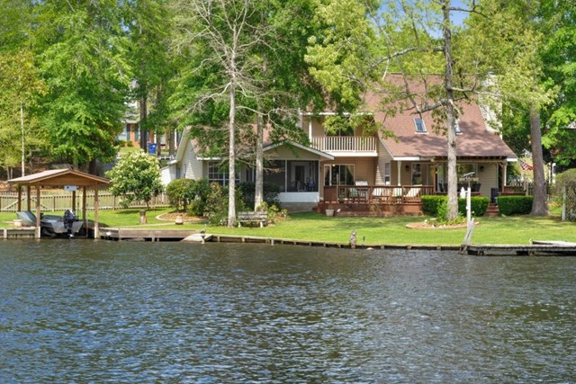 1100 Lakeshore Dr., Carriere, MS 39426
