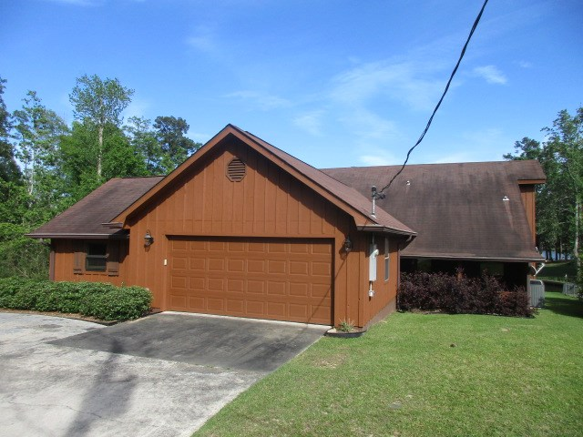 705 Lakeshore Dr., Carriere, MS 39426
