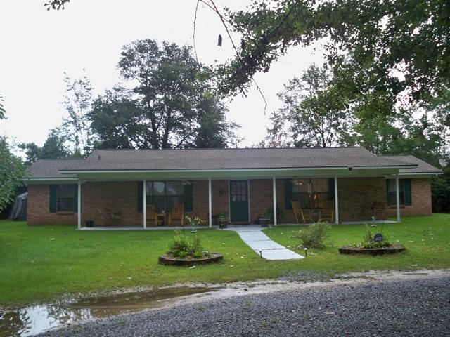 216 Cobb Road, Wiggins, MS 39577