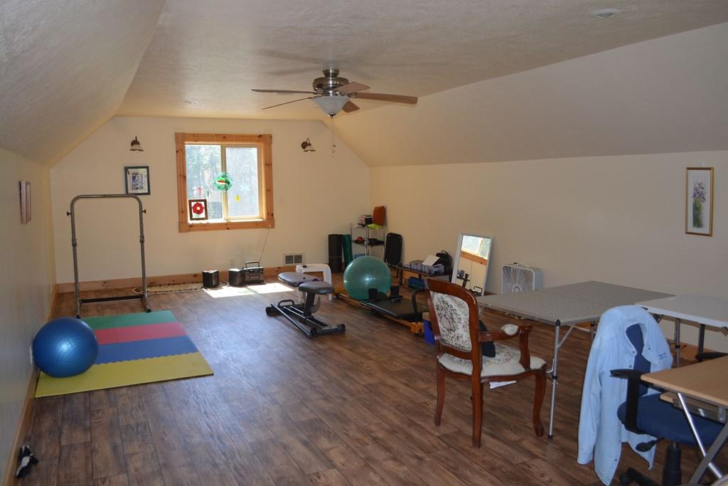 bonus room in upper garage and heated