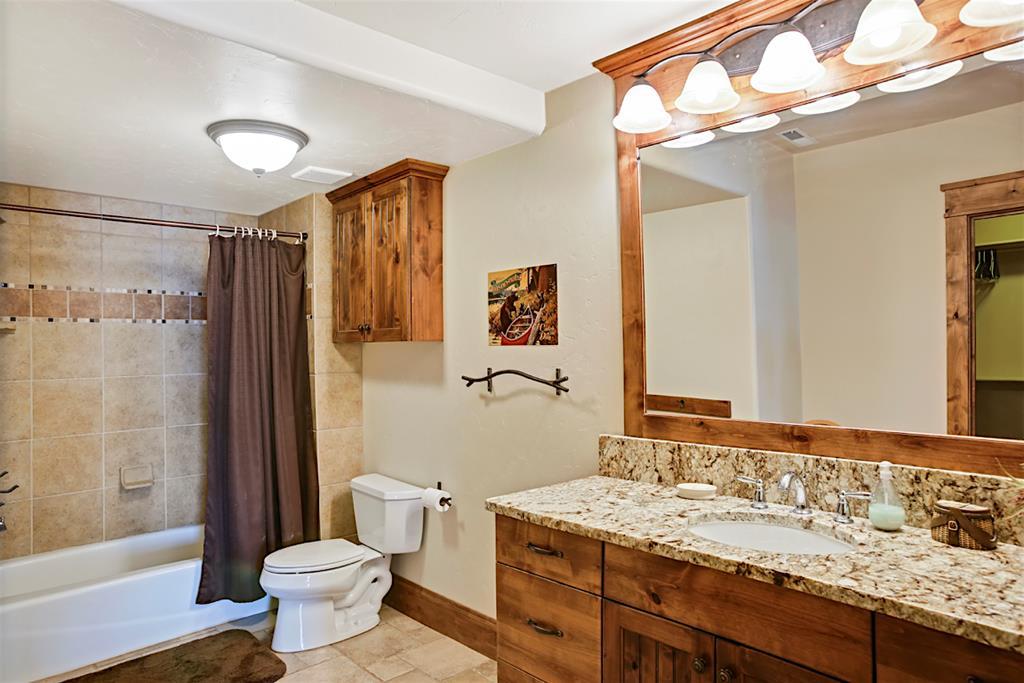 Upstairs Jr. Suite Bath