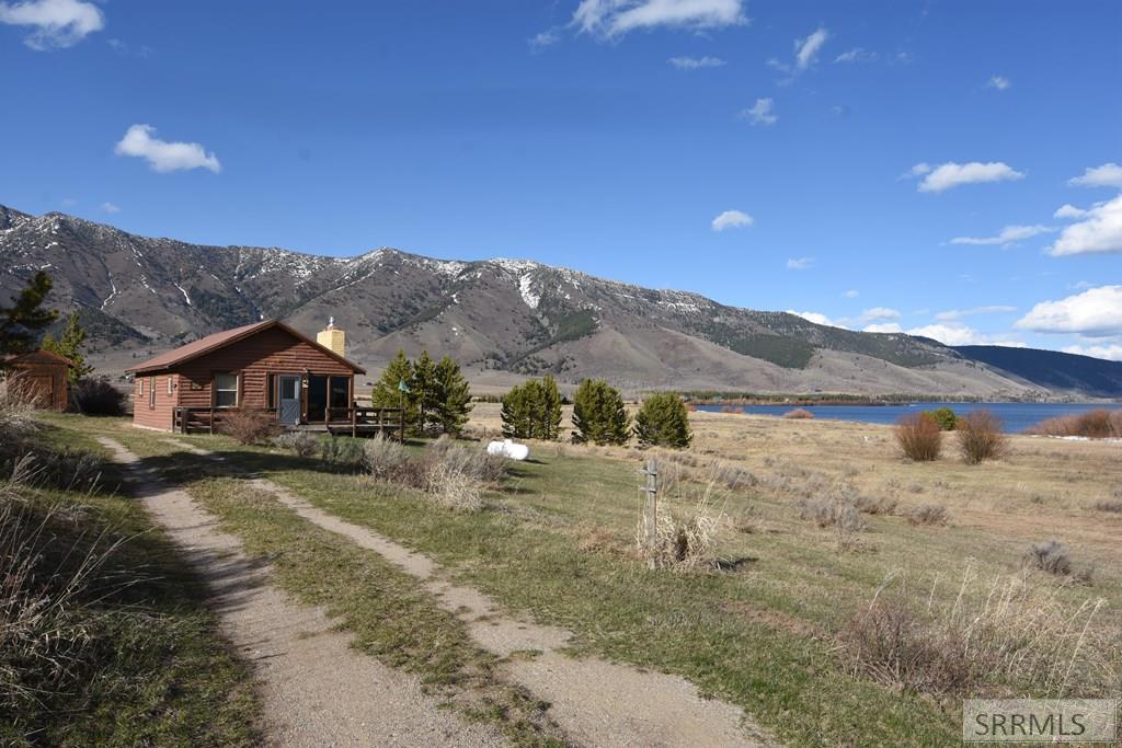 5414 Henrys Lake Road
