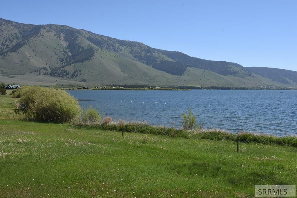 5406 Henrys Lake Road