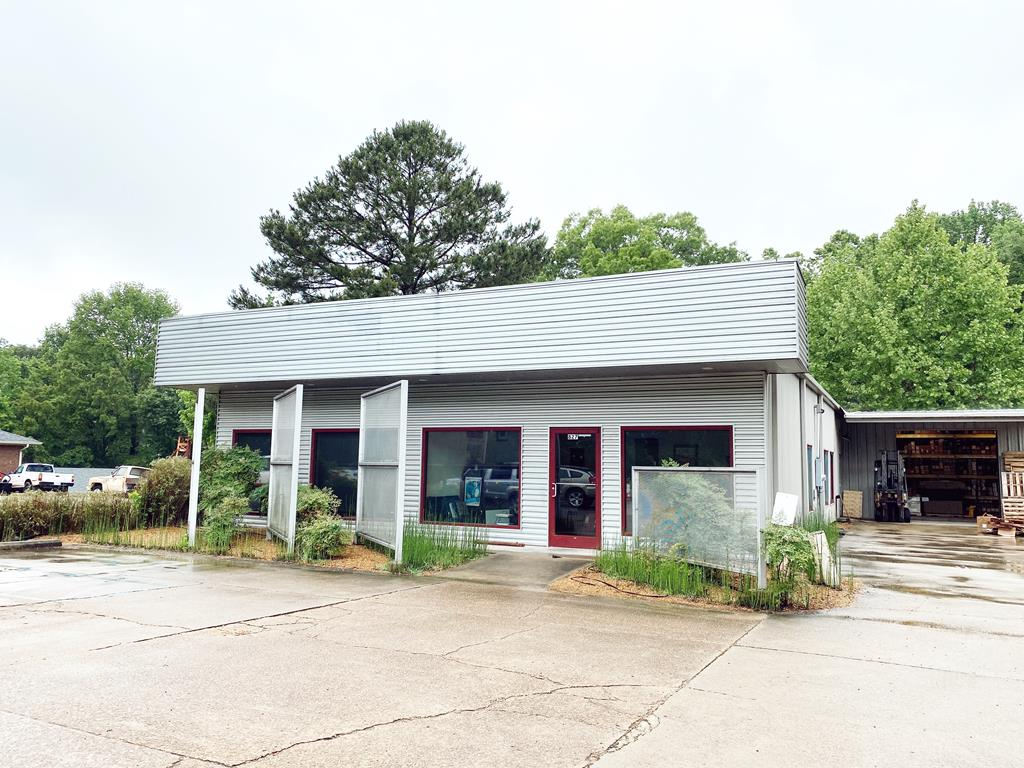 Very open and modern professional office. Turnkey opportunity for any business looking to expand or plant roots. Additionally, there is an approximately 1800 sq ft warehouse. Main building has a reception area, open operations room, executive offices, kitchen and break room, with up to date finishes and wired for all data and communication needs.