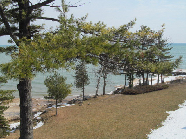 4676 Glidden Dr 208, Sturgeon Bay, WI 54235